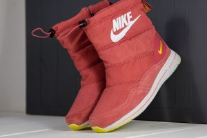 Сапожки Nike winter red/yellow