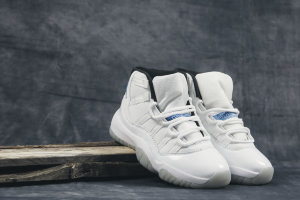 Кроссовки Air Jordan XI 72-10 Retro White Blue