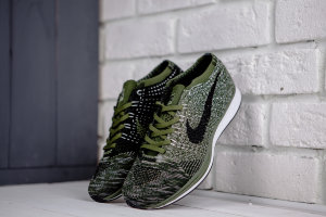 Кроссовки Nike Flyknit Racer Olive Green