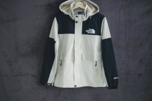 Ветровка THE NORTH FACE beige