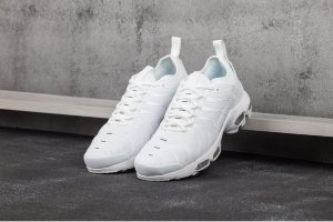Кроссовки Nike AIR MAX PLUS TN ULTRA white