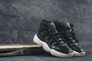 Кроссовки Air Jordan XI 72-10 Retro Black Gym Red Bred