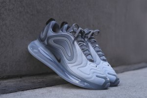 Кроссовки Nike Air Max 720 METALLIC SILVER