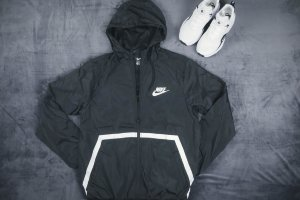 Ветровка Nike black, ATHLETIK CUT