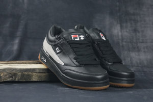 Кроссовки Fila Aape black/white